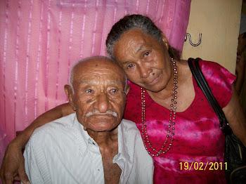 Zefa da Guia com seu tio Estaque de 106 anos.