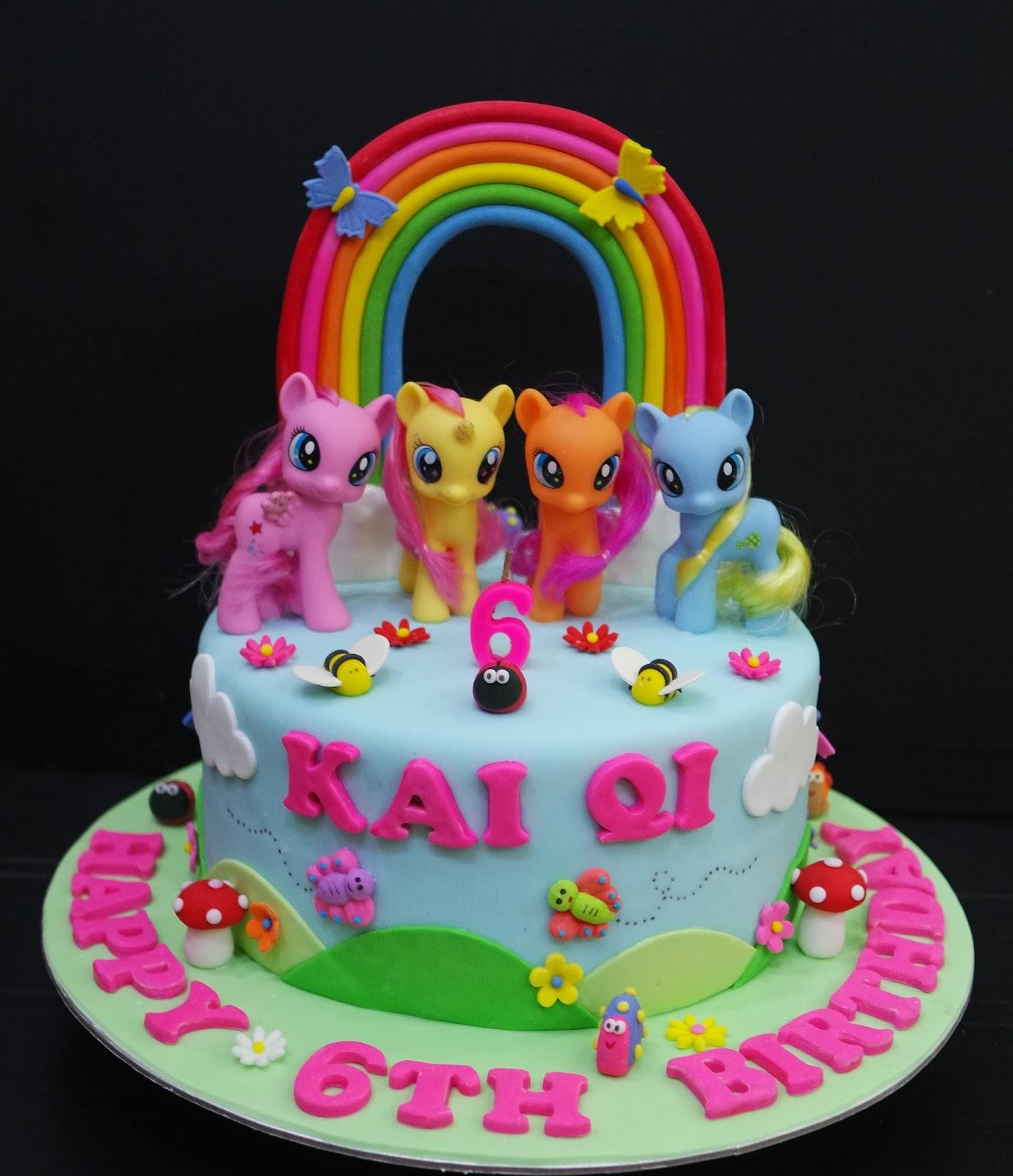Cupcake Divinity Kai Qis Pony cake