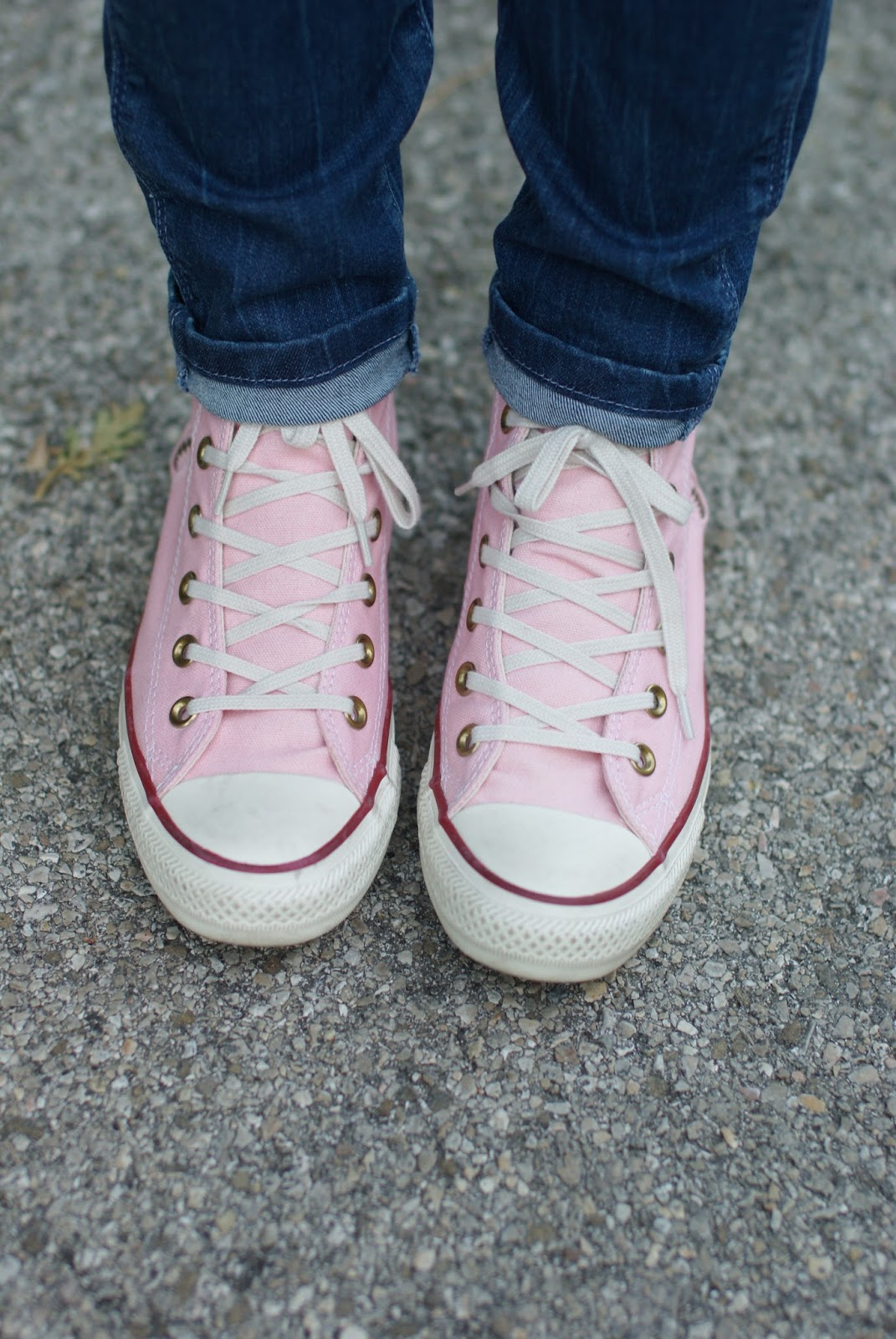 Pizza never lies, Pink converse sneakers, Zaful pink t-shirt, Zaful pizza never lies, casual pink look on Fashion and Cookies fashion blog, fashion blogger style