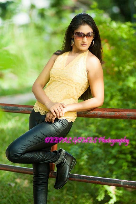 Sajini Priyangika tight black