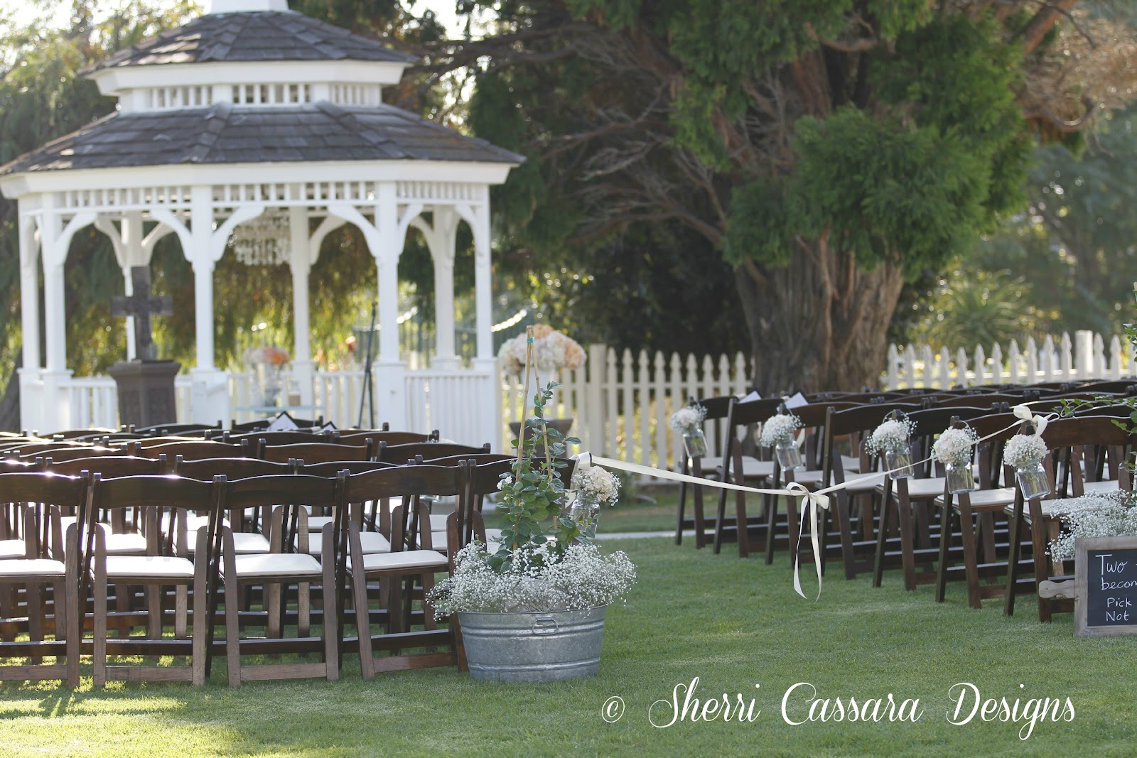 Sherri Cassara Designs A Charming Huntington Beach Barn Wedding On A Budget