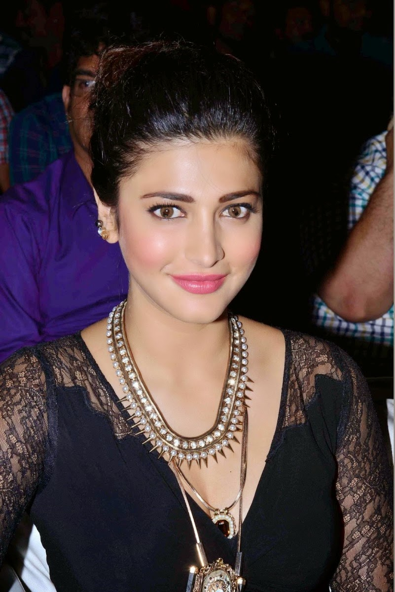 Shruti Hassan at Race Gurram Success meet