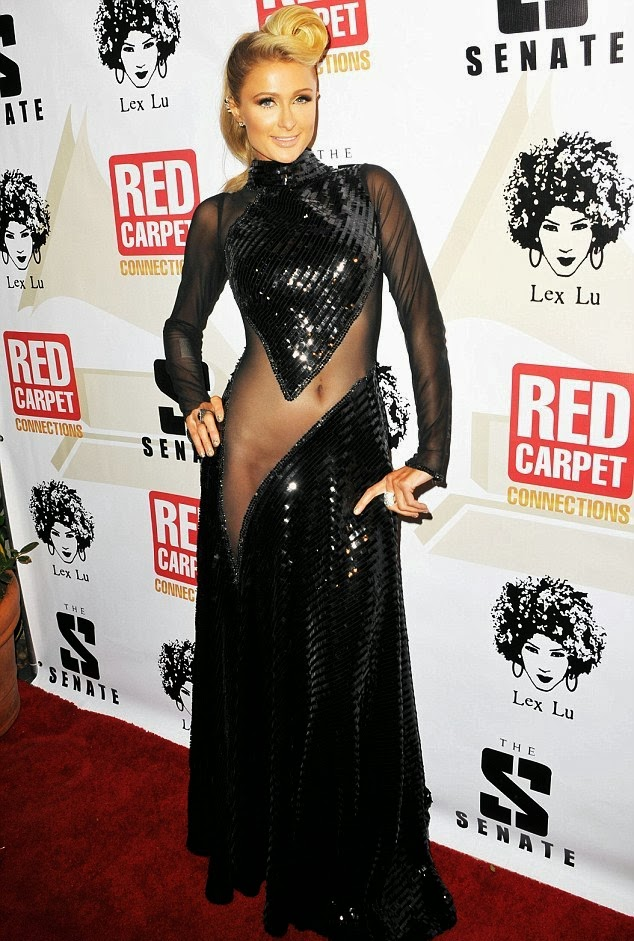 Paris Hilton sin ropa interior
