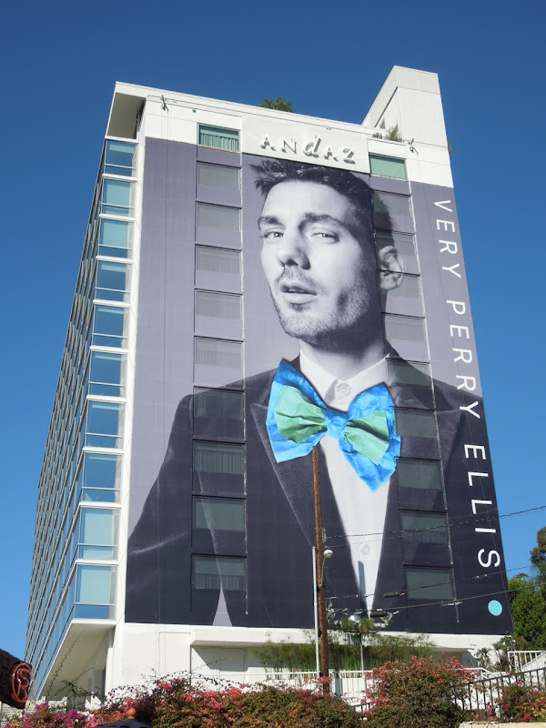 Giant Very Perry Ellis bow tie billboard 