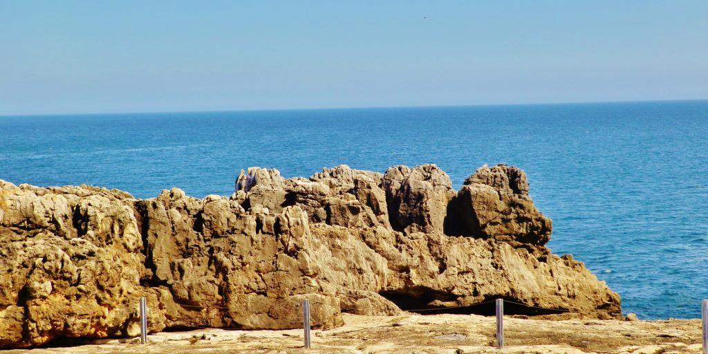 El cabo de la roca donde se acaba la tierra y comienza el for De donde es la roca