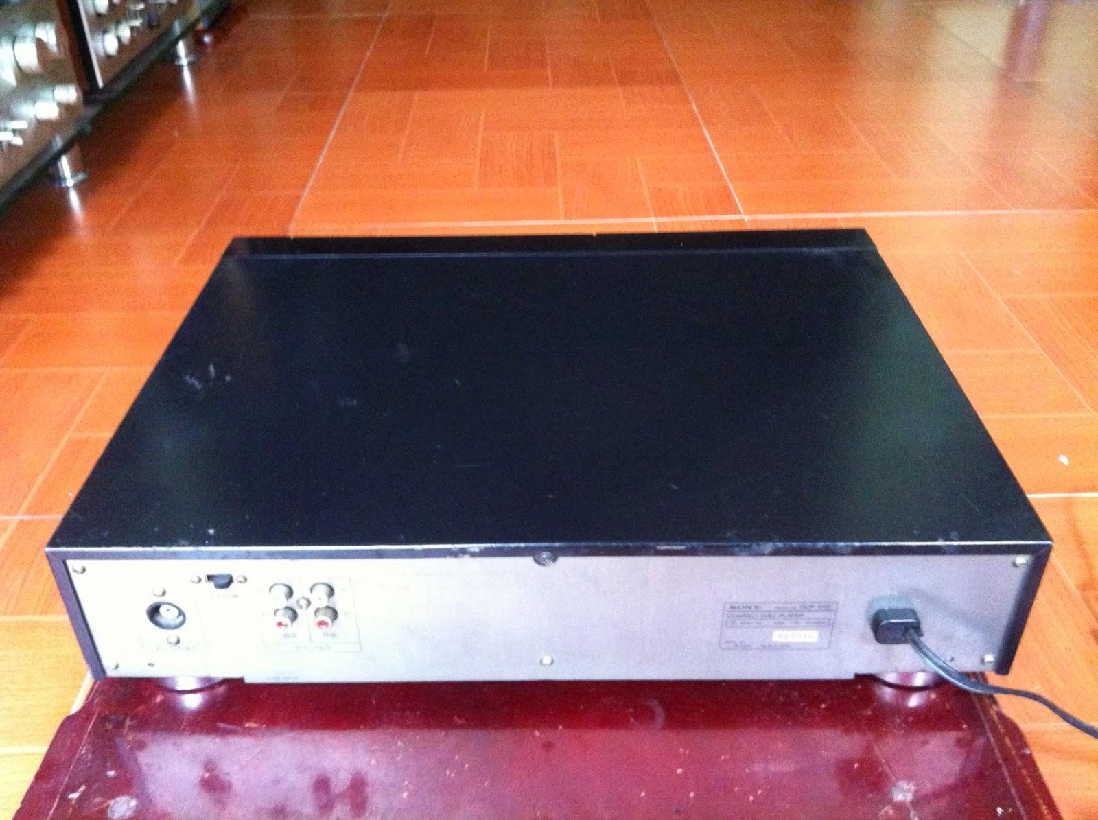 Mặt sau CDP-950