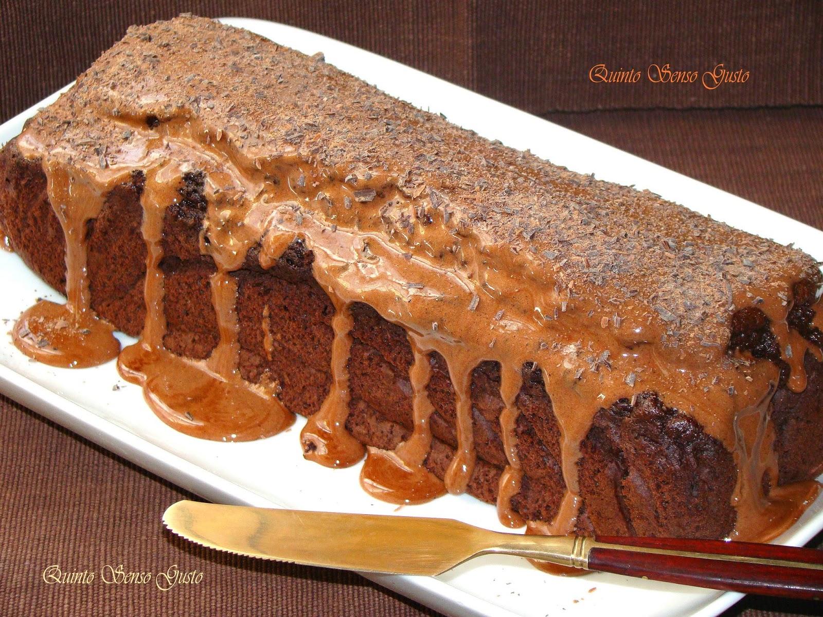 plumcake al cacao con glassa di marshmallow al cioccolato fondente