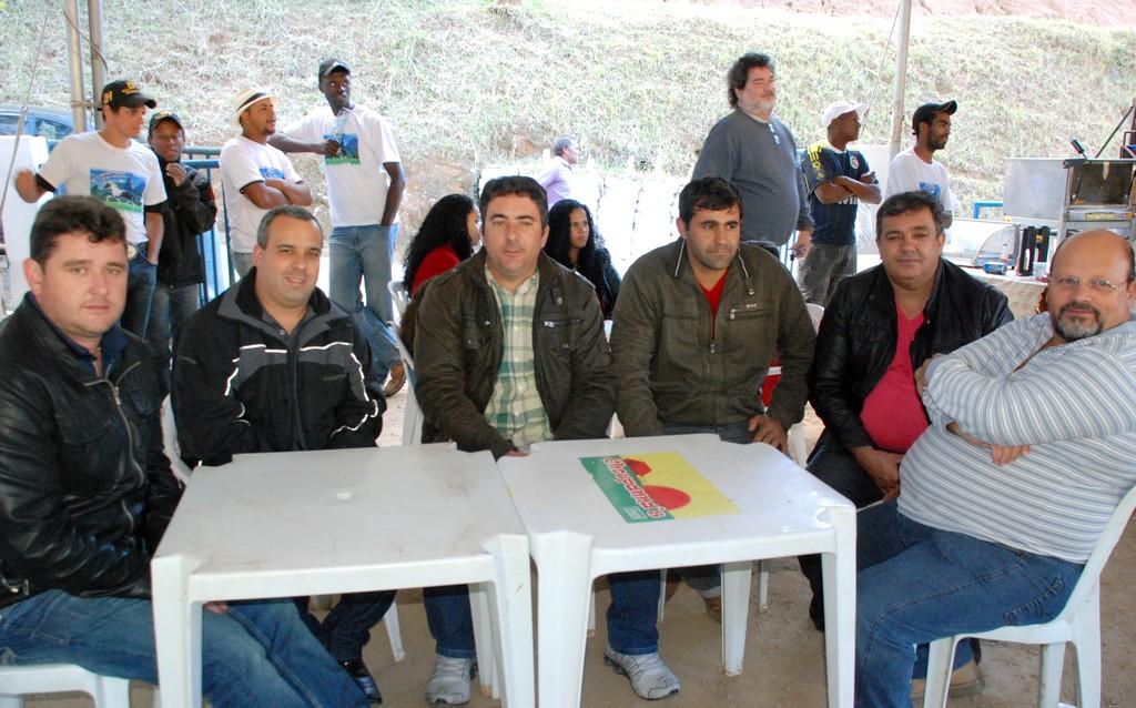 Sábado (25/05) – Prefeito Arlei, acompanhado dos vereadores Maurício Lopes, Luciano de Vargem Grande, Fábio Branco, Sérgio Pimentel e do ex-vereador Mandinho