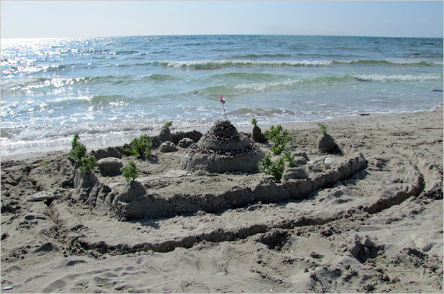 Казахстан, побережье Каспийского моря, мыс Ракушечный.