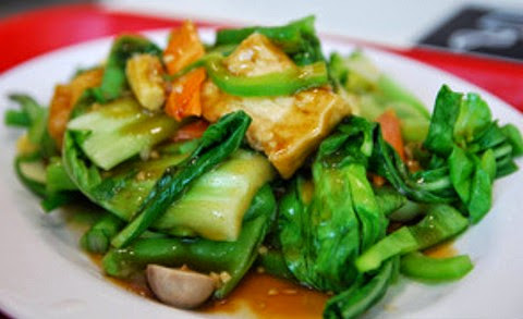 Flavorful stir fried tofu with veggies