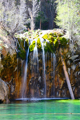 Hanging Lake ner Glenwood Springs CO is a classic hike