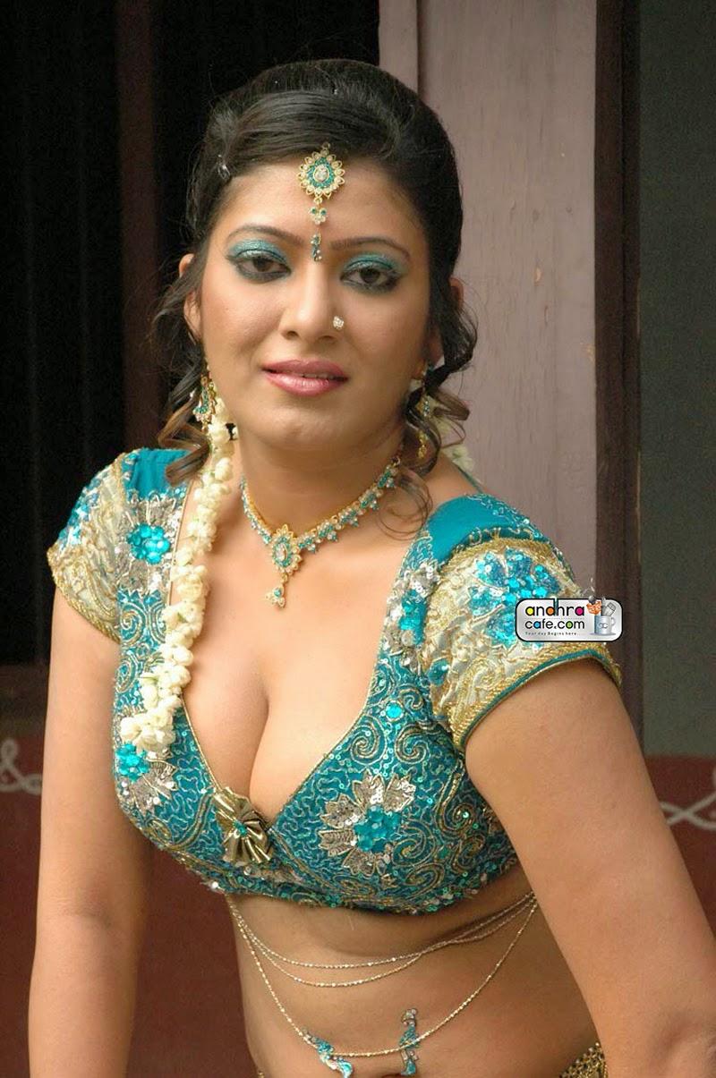 Indian girl nude boobs suck