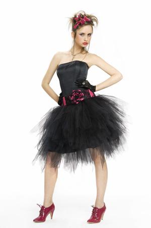 Moderne Kleider 15 Jahre 2012/2013