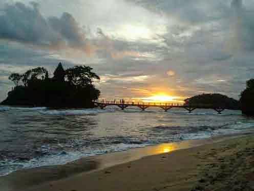 Objek Wisata Malang Pantai Balekambang, Pura Amerta Jati Menawan