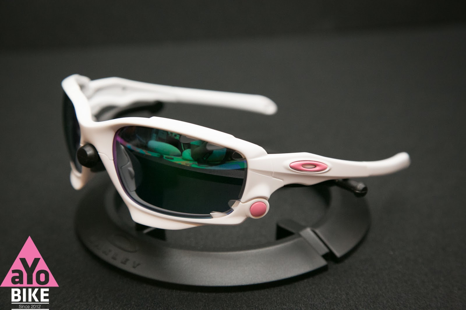 oakley custom sunglasses rh8q  custom oakley icons