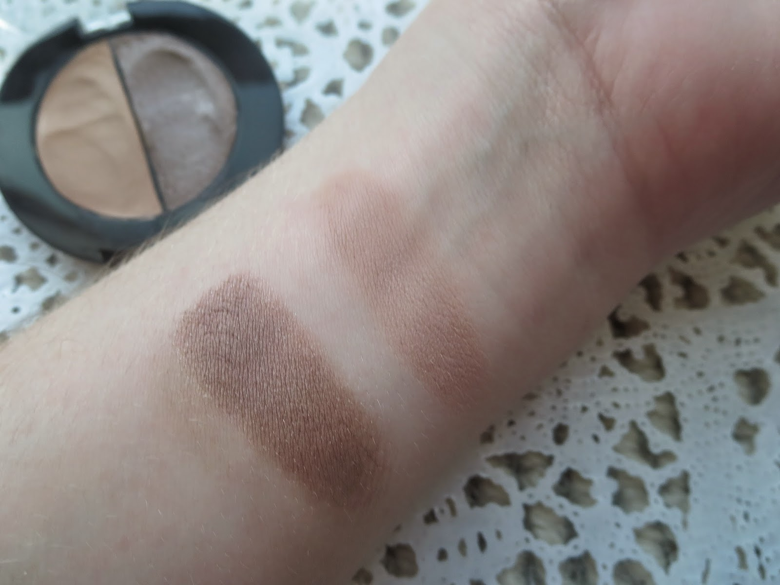 a picture of Maybelline Color Molten in Taupe Craze (hard swatch/build up)