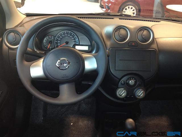 Nissan 03 2013 1.0 - interior - Panel