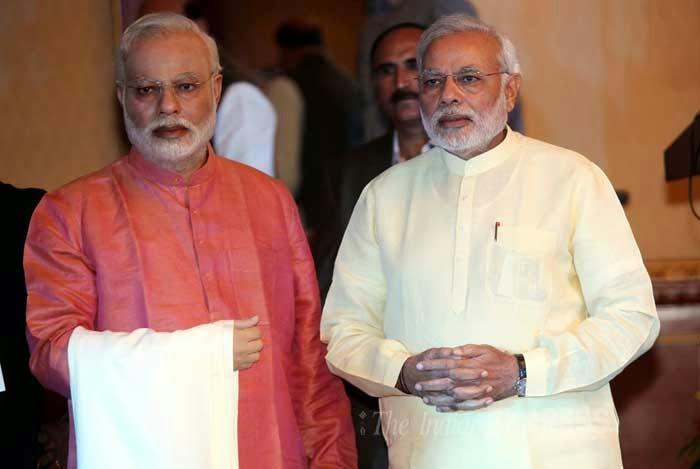 Narendra Modi calls up Rajinikanth to build