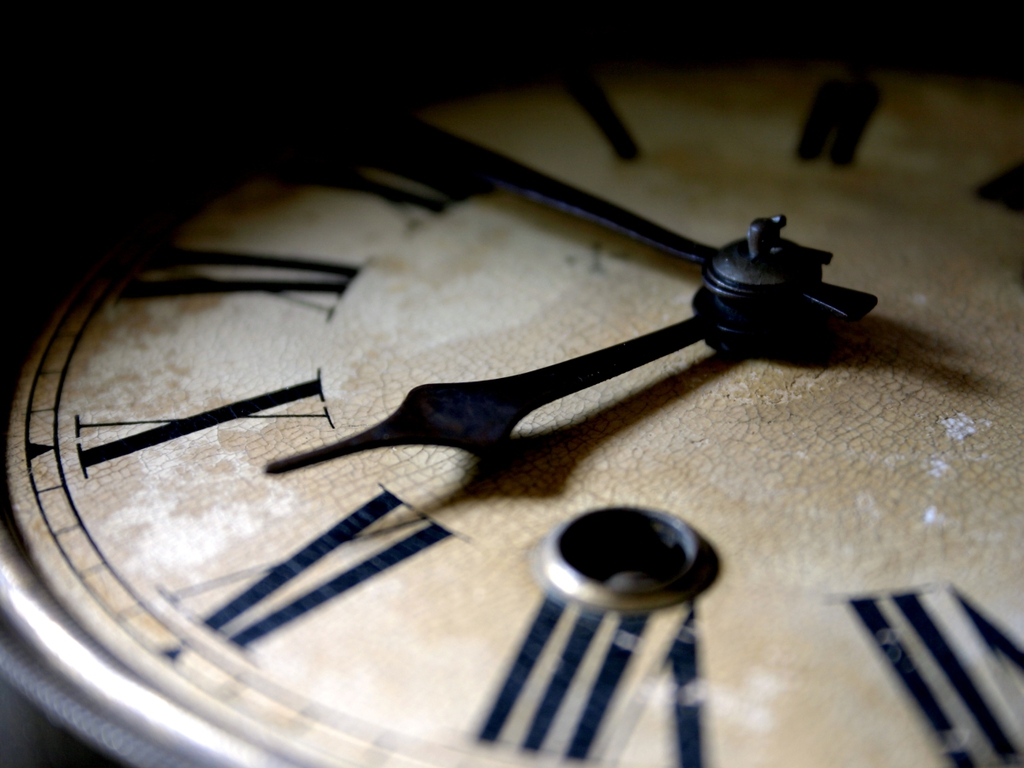 http://1.bp.blogspot.com/-OlnlSCKctAM/T8IHl9pl3LI/AAAAAAAAAHc/CHB559HOK6M/s1600/Ancient_Clock_Wallpaper_1ml78.jpg