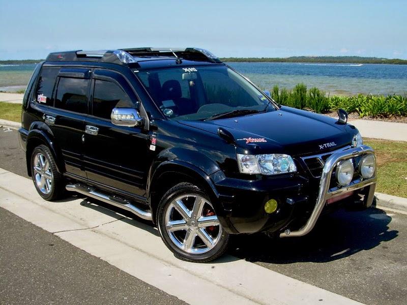 Modifikasi Mobil Nissan X-Trail Hitam