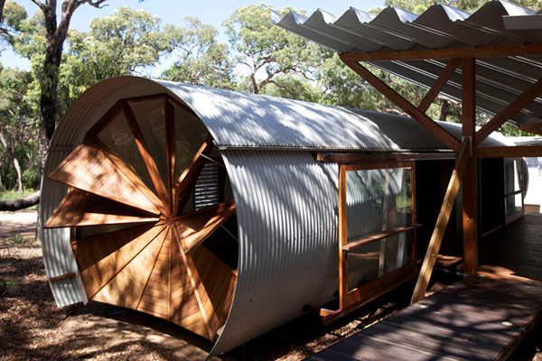 Windows-Fan-at-Small-House-in-Australia