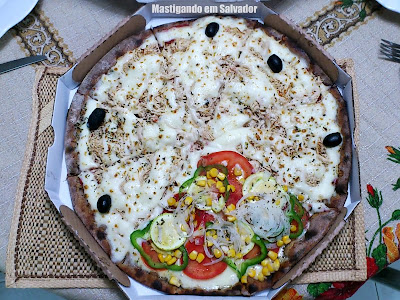 Pizaria Armazém Paulistano: Pizza 1/3 Vegetariana 2/3 Frango com Catupiry, na Massa integral