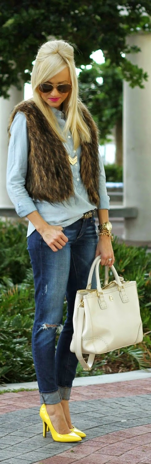 Chambray Shirt , Faux Fur with Neon Chic Street Outfits
