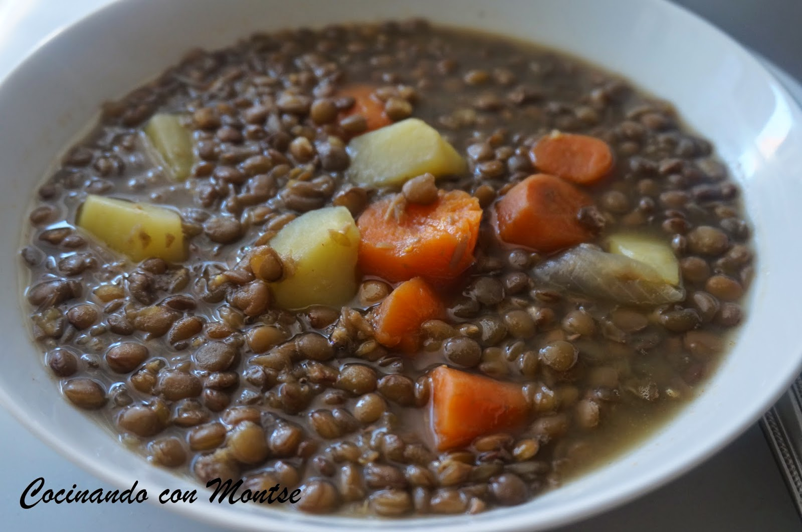 Cocinando con montse lentejas con verduras - Lentejas con costillas y patatas ...