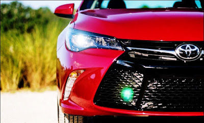 2015 Toyota Camry XSE 4 Cylinder (a SFX) Review Light