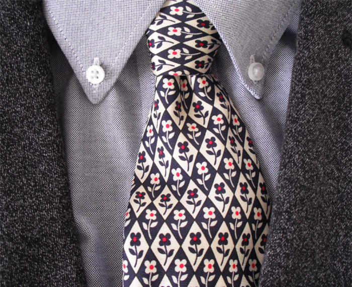 Strelli tie rack tie