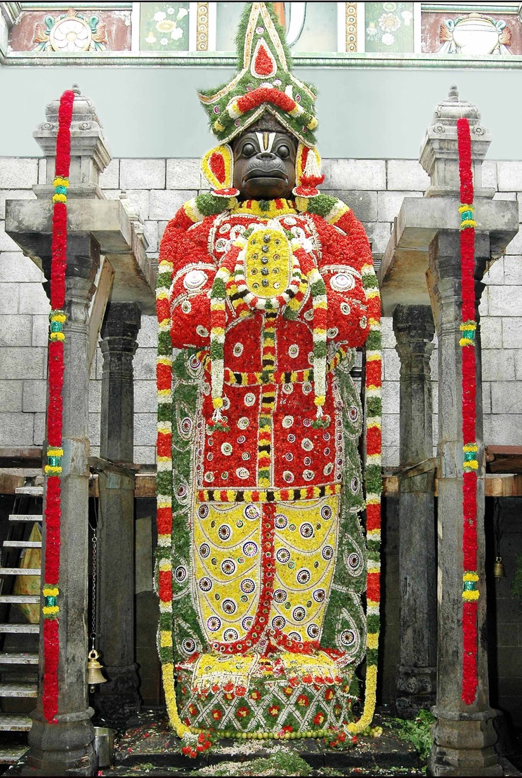 Namakkal India  city photo : Nanganallur Anjaneya temple is known for its principal Hanuman idol ...