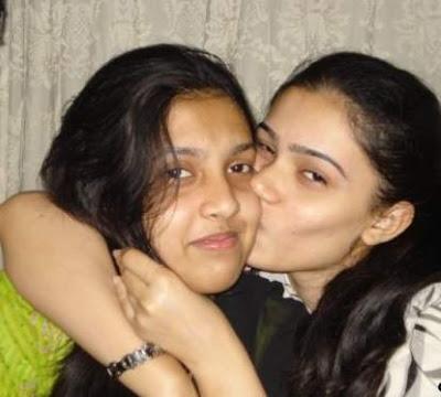 pakistani sexy punjabi girl kissing in car № 308083