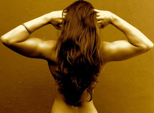Mulheres com braços fortes e definidos! Por que não !