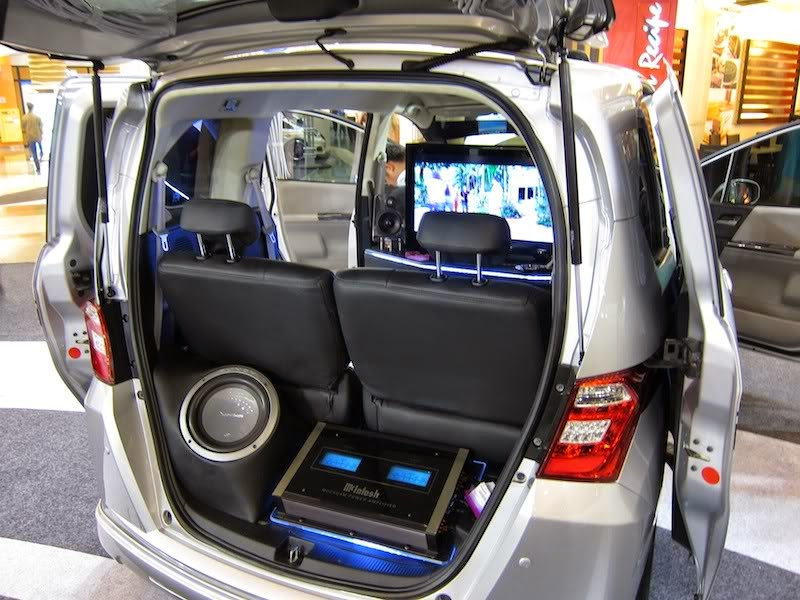 modifikasi audio honda freed