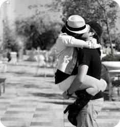 un beso vale mas k mil  palabras