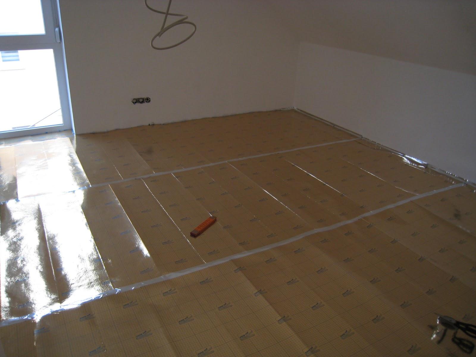 stein auf stein das haus wird bald fertig sein laminat verlegt. Black Bedroom Furniture Sets. Home Design Ideas