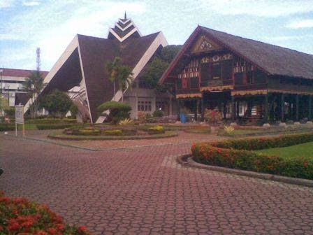 Museum Negeri Aceh : Salah satu tempat wisata di banda aceh