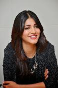Shruti Haasan Glam pics-thumbnail-32