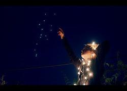 El cielo se ha vuelto oscuro y las estrellas ya no me quieren. Porque les pido estar contigo, y nun
