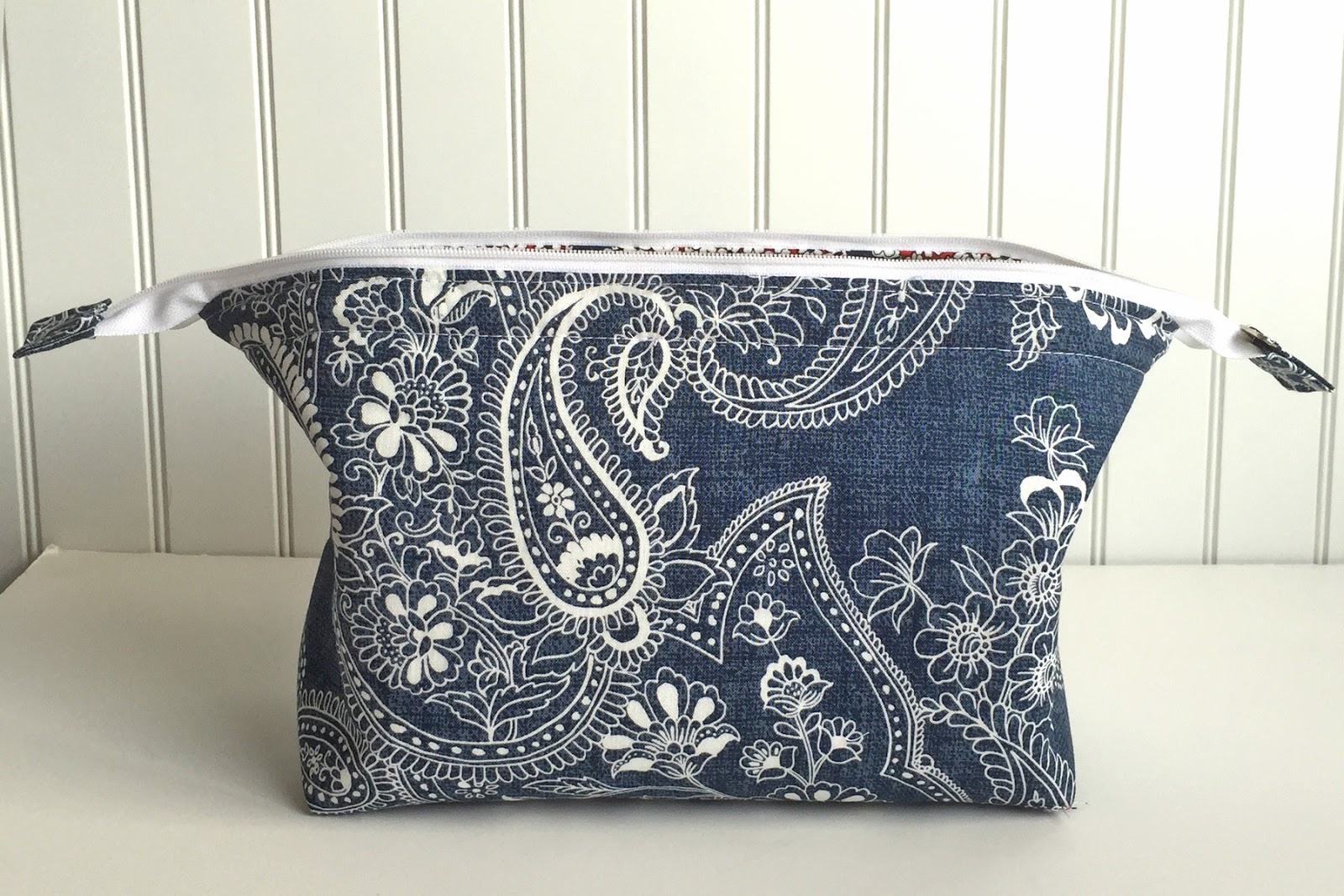 Emmaline bags sewing patterns and purse supplies the retreat bag by ellen wiedman jeuxipadfo Gallery