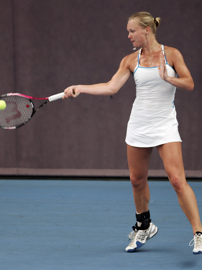 tennis kiki bertens hot pics and wallpaeprs
