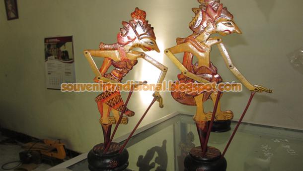 Wayang Batik Arjuna dan Srikandi