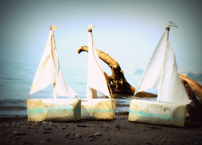 Madison avenue baby craft decorate driftwood boats for Diy driftwood sailboat