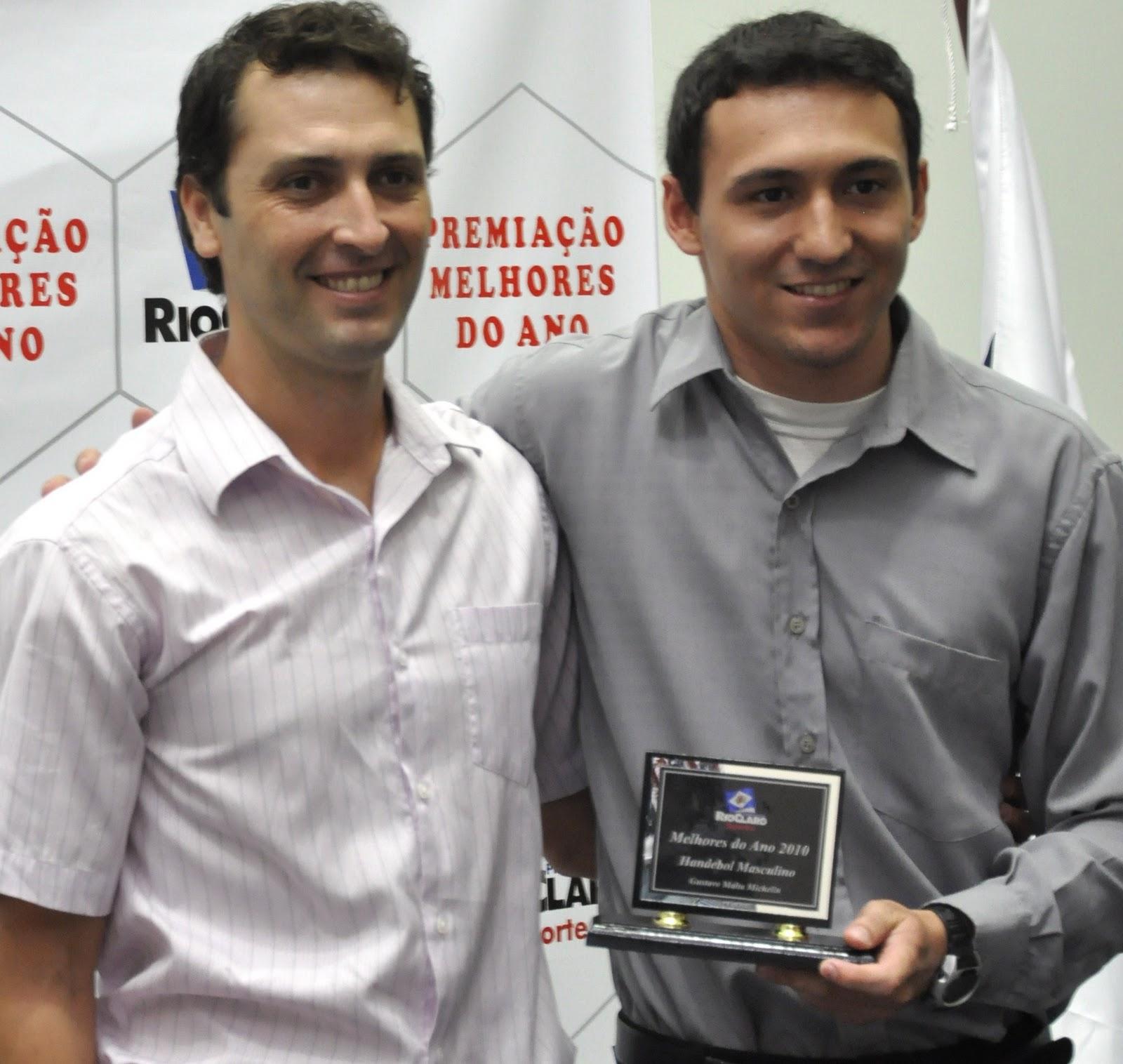Prefeitura de Rio Claro homenageou os Melhores de 2010 Esporte #A53326 1600x1516 Banheiro Adaptado Arthur Lima