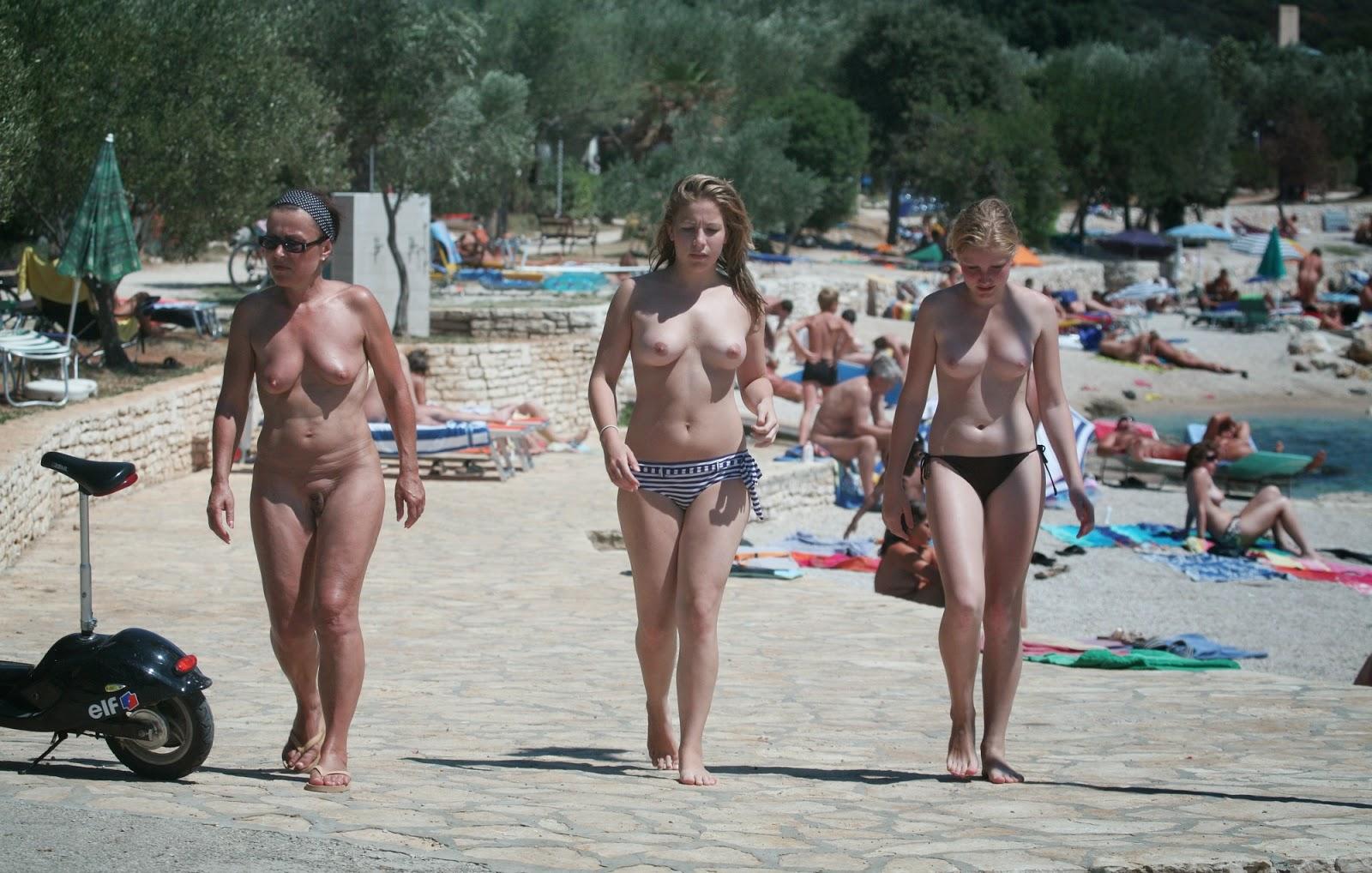 Pity, nude girls valalta