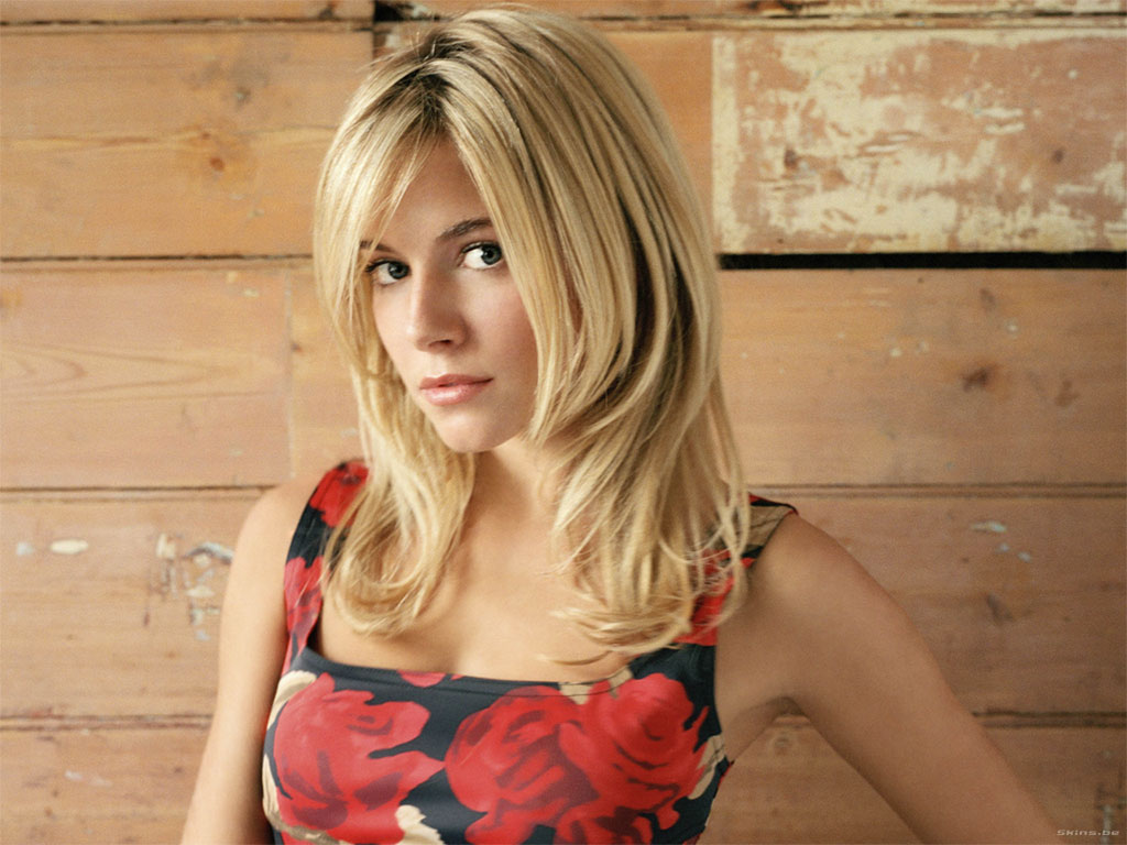 http://1.bp.blogspot.com/-OoeTBcJ6Yd4/TcNcxaFAYsI/AAAAAAAAD5Q/cHhSl3864vE/s1600/Sienna-Miller-hair-style-tattoo-+jude-law-pics-hairstyles-fashion-dress+%252811%2529.jpg