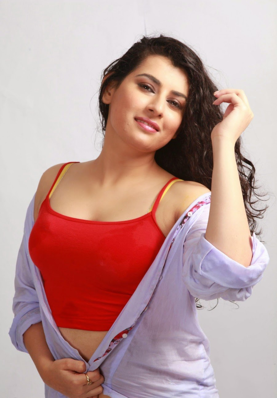 http://moviepicturess.blogspot.in/2014/10/archana-charming.html