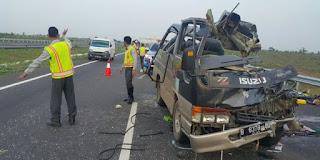 hasil sementara diduga kecelakaan terjadi akibat sopir mobil Elf mengantuk sehingga menabrak kendaraan besar di depannya
