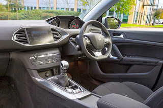 New-Peugeot-308-Compact-Hatchback-Picture-photo-interior