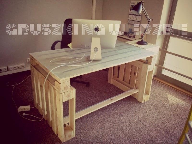 3 palets bastan para construir un escritorio para el ordenador - Como hacer una mesa escritorio ...